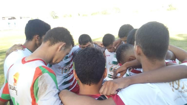 Portuguesa de Mandacaru vira jogo remarcado, mas cede o empate no fim e se complica no Campeonato Guanambiense Sub-17