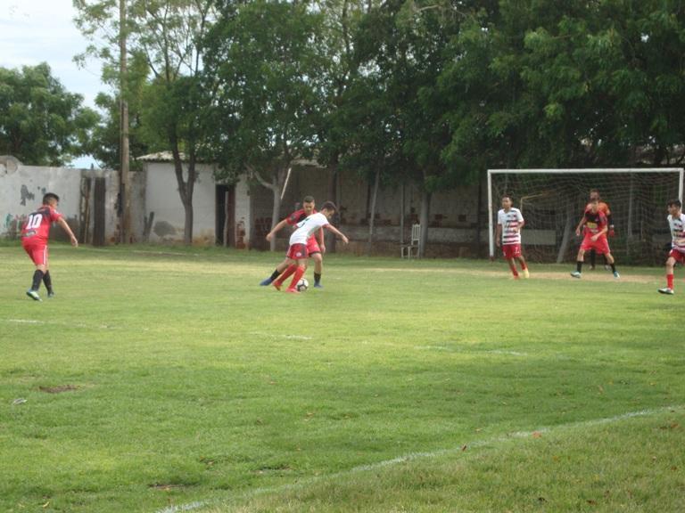 Sub-15 faz jogo acirrado contra o Flamengo de Guanambi, mas perde com gol marcado no fim